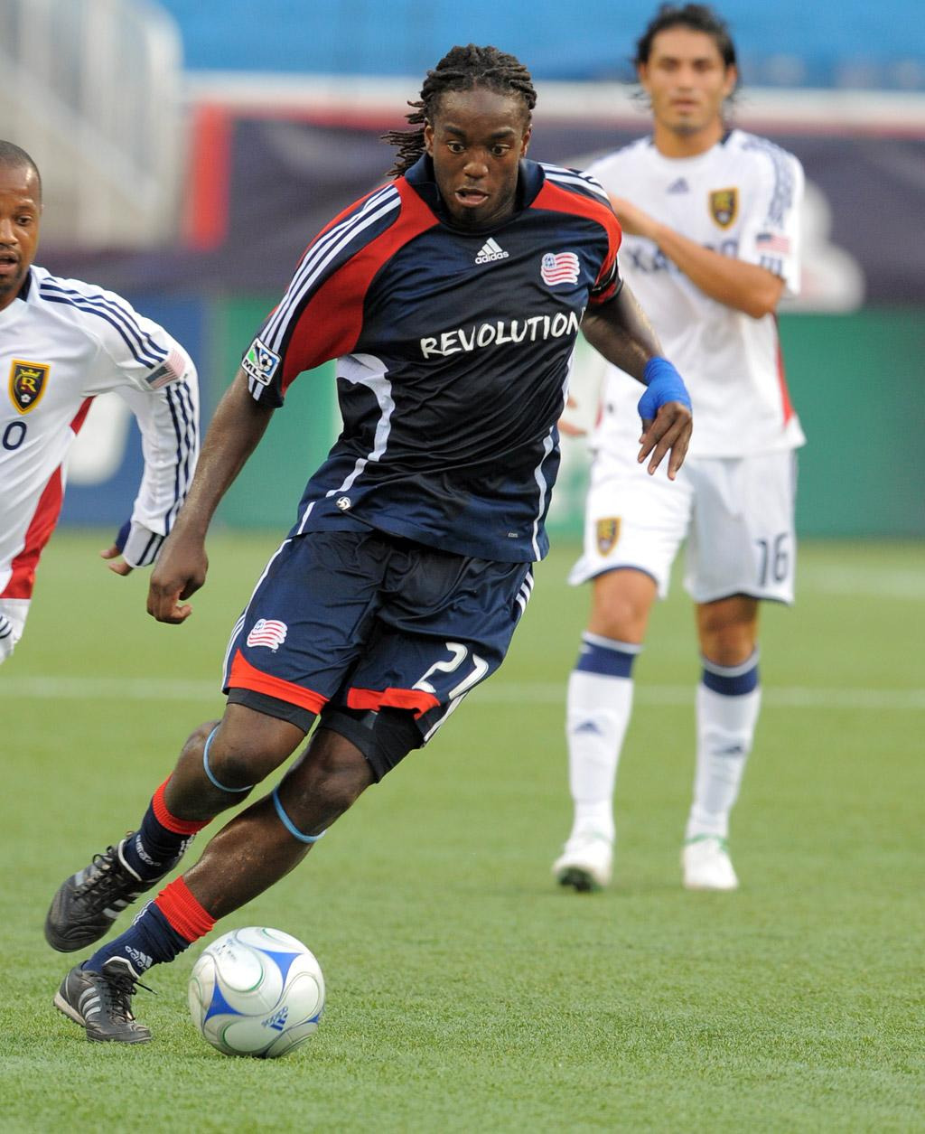 Revs visit 2009 champs on Friday night