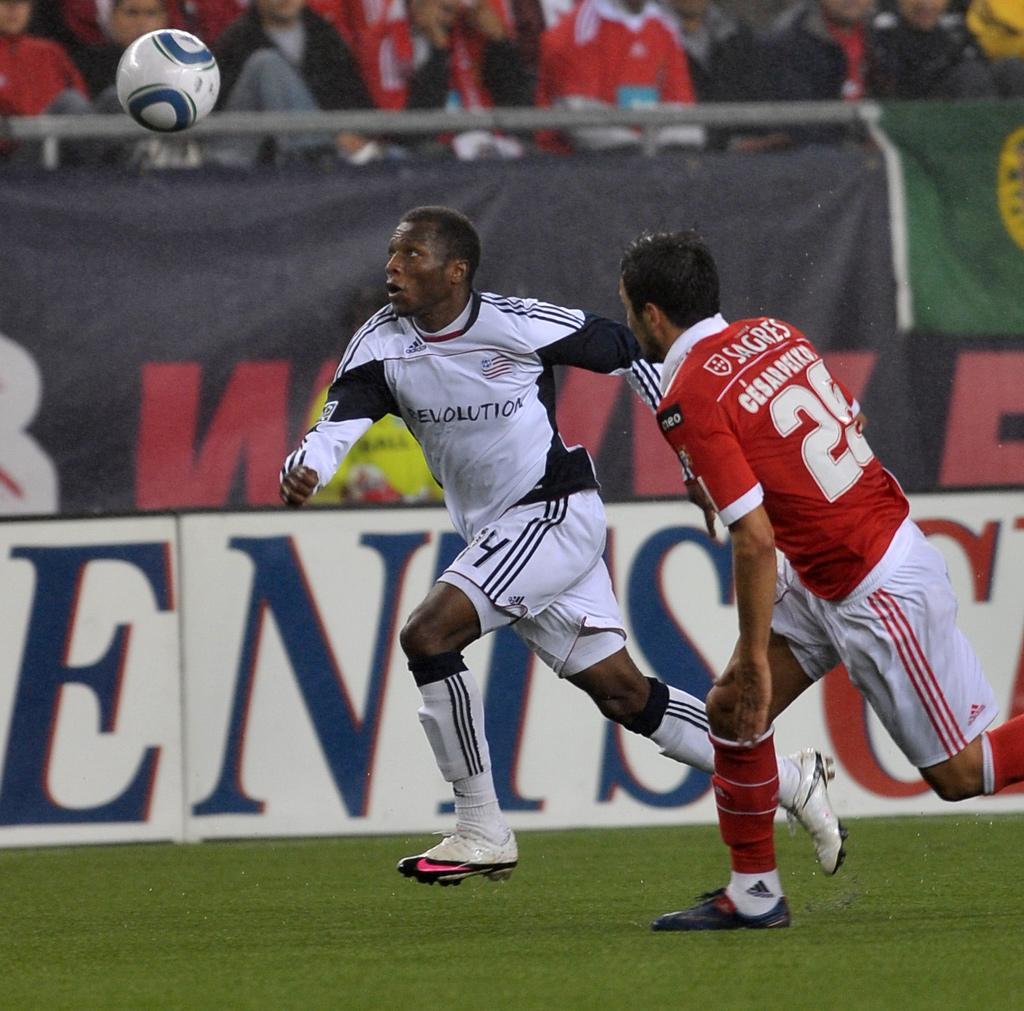 SL Benfica 4, Revolution 0