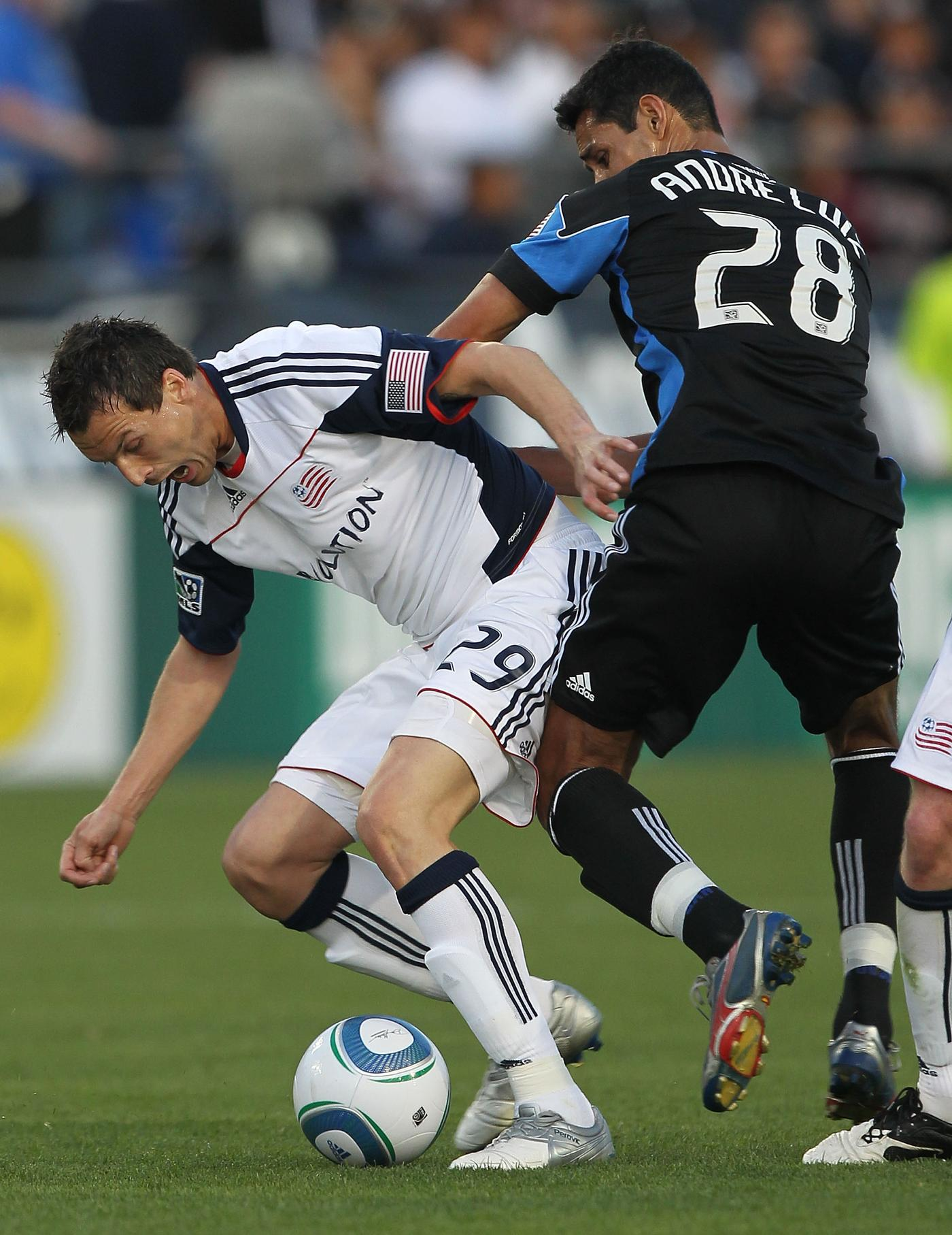 Looking to snap skid, Revs welcome 'Quakes