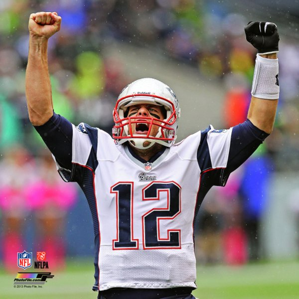 Tom Brady Arms Up 8x10 Carded Photo