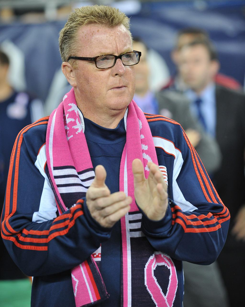 Steve Nicol dons the pink scarf
