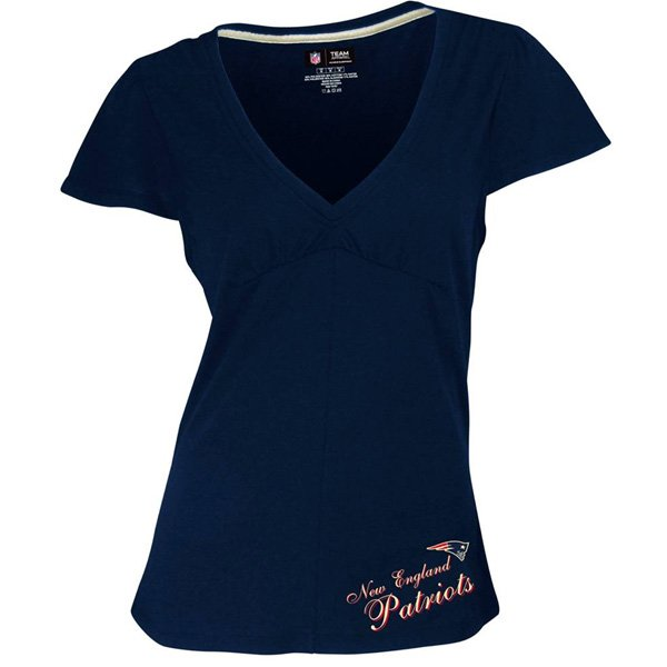 Ladies Luxe V-Neck Top