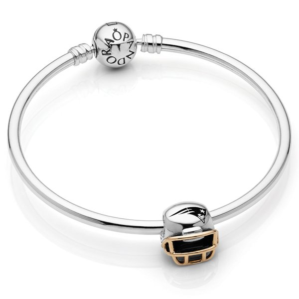 Pandora Patriots Helmet/Bangle Set
